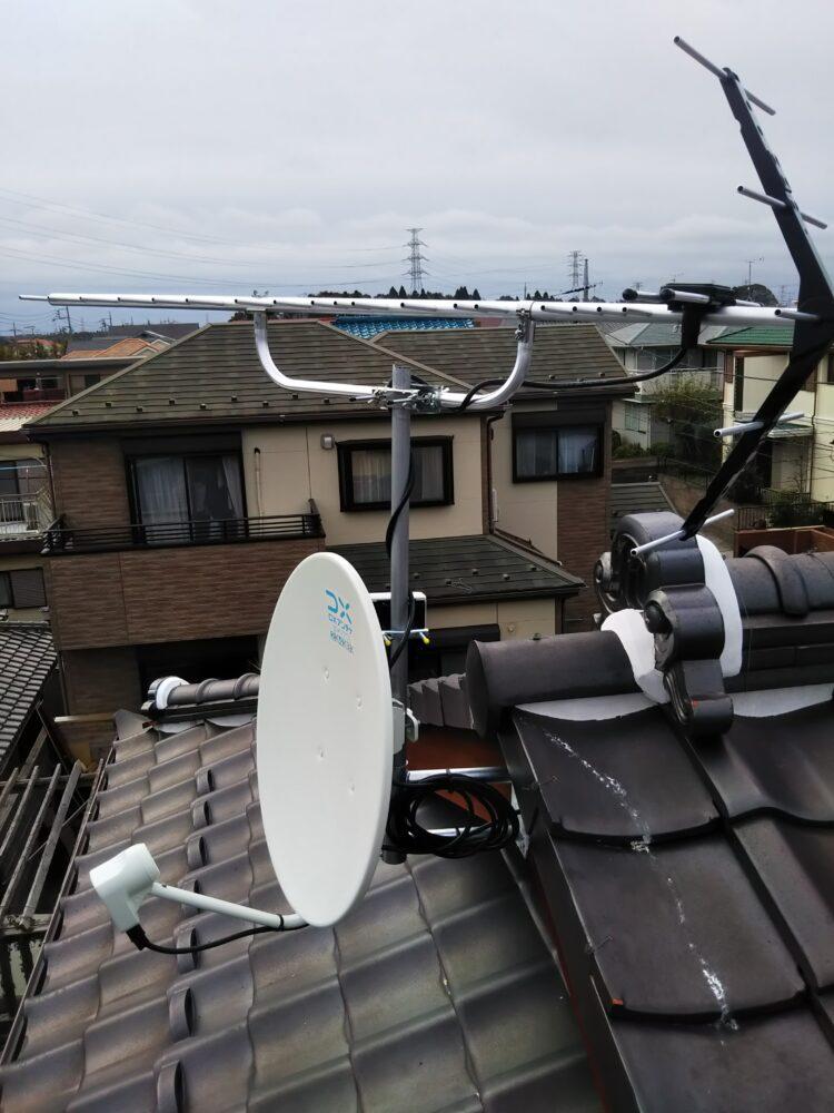 八木式アンテナとBS/CSアンテナを取り付けたところ